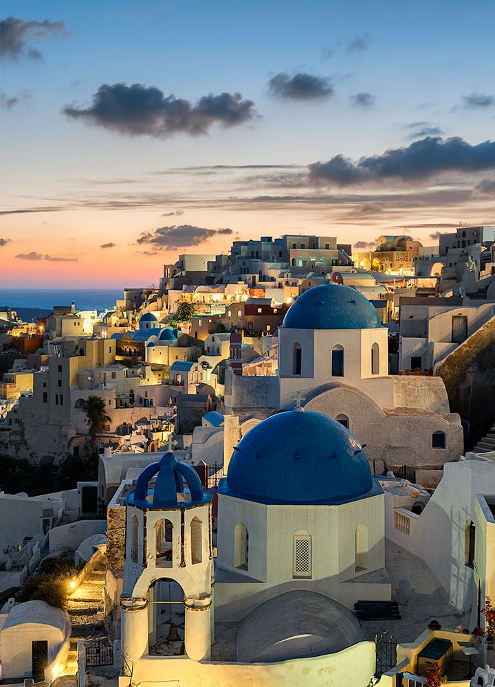 Elia-Locardi-Travel-Photograhy-Aegean-Paradise-Oia-Santorini-Greece-vertical